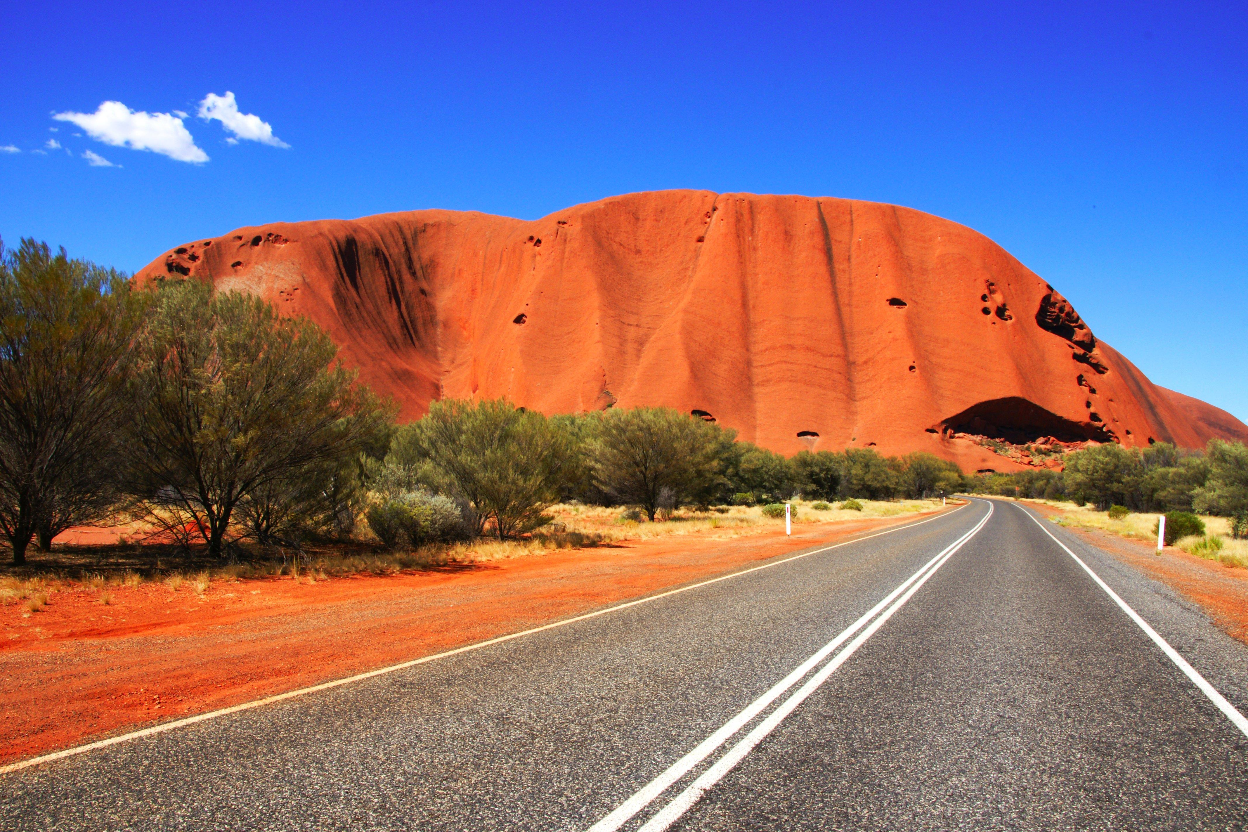 природа поле Улуру австралия скалы  № 586612 загрузить