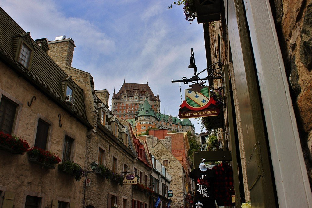This 4-star hotel is located in old quebec, within walking distance of galerie d 2019art du chateau frontenac
