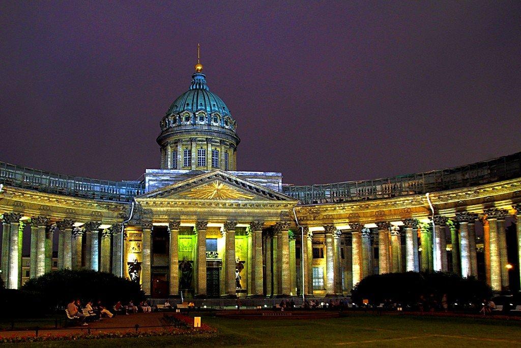 что соборы санкт петербург картинки там