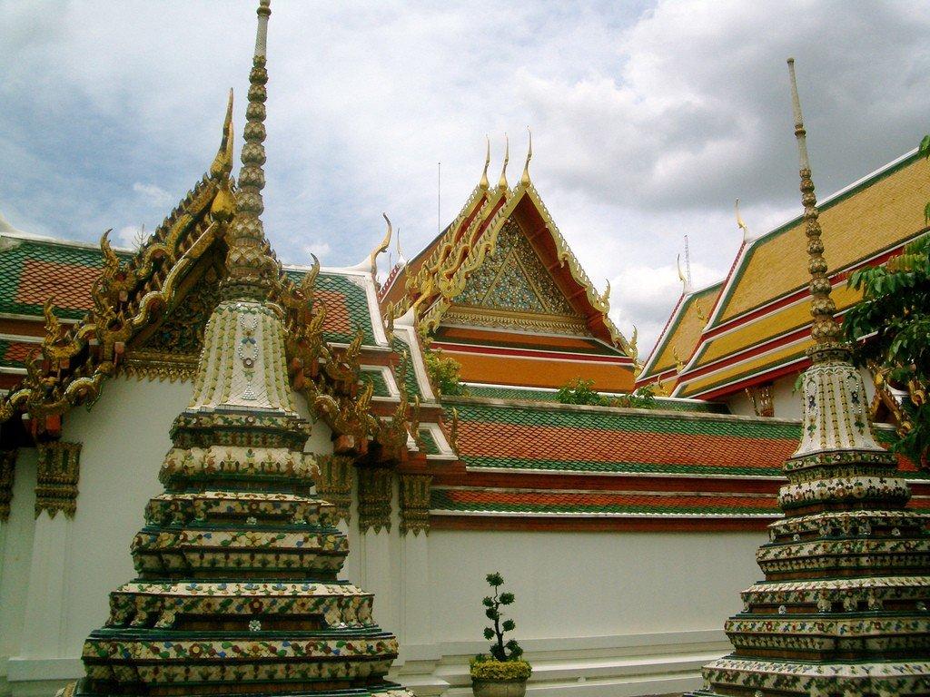 место фото королевского дворца в бангкоке поражение полости