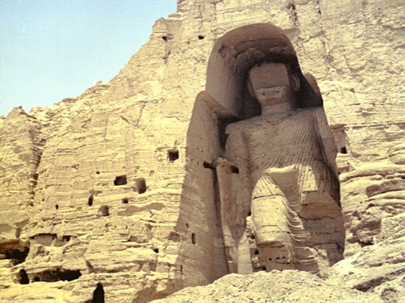 Памятники в каневской фото отличие других