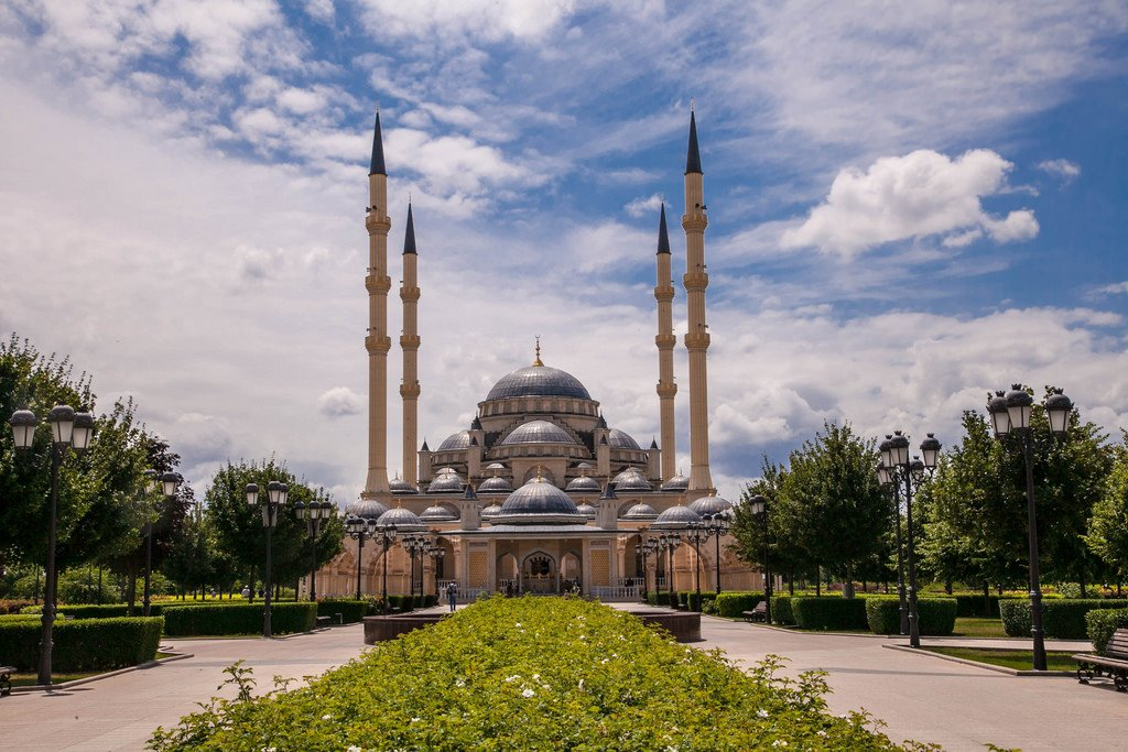 Картинки по запросу Мечеть «Сердце Чечни»