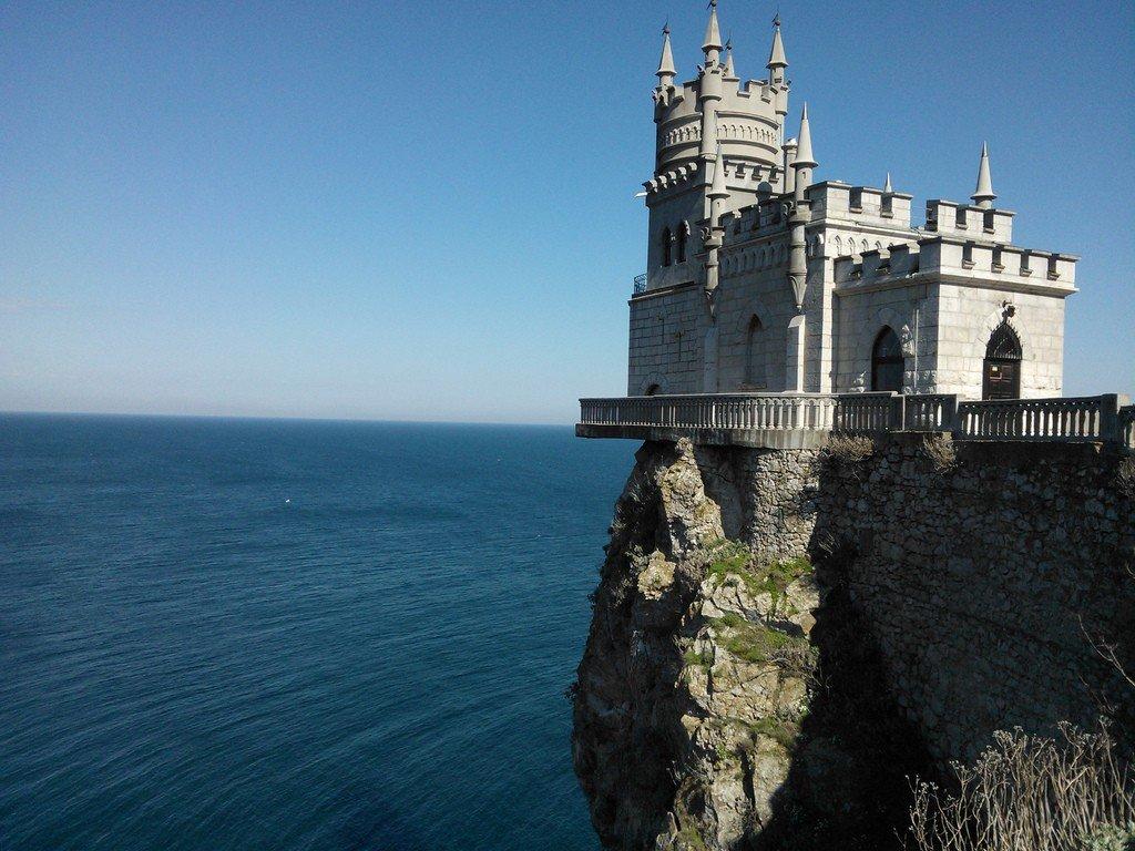 Крым ласточкино гнездо фото помещений