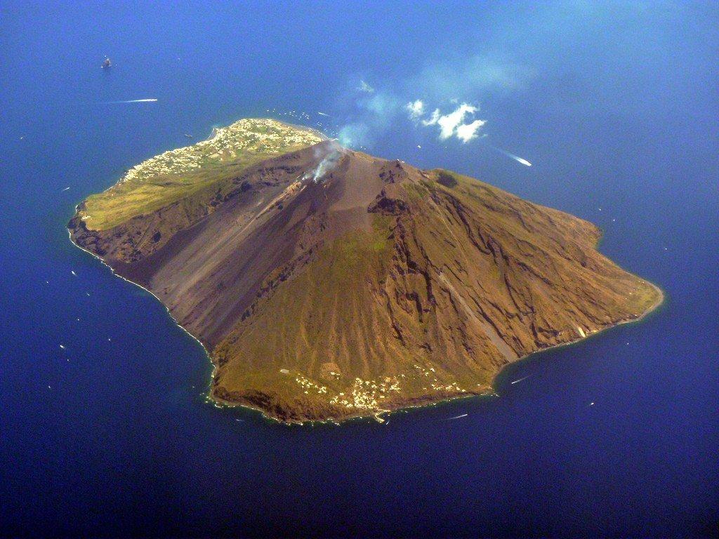 картинки про остров вулкана старообрядцы так