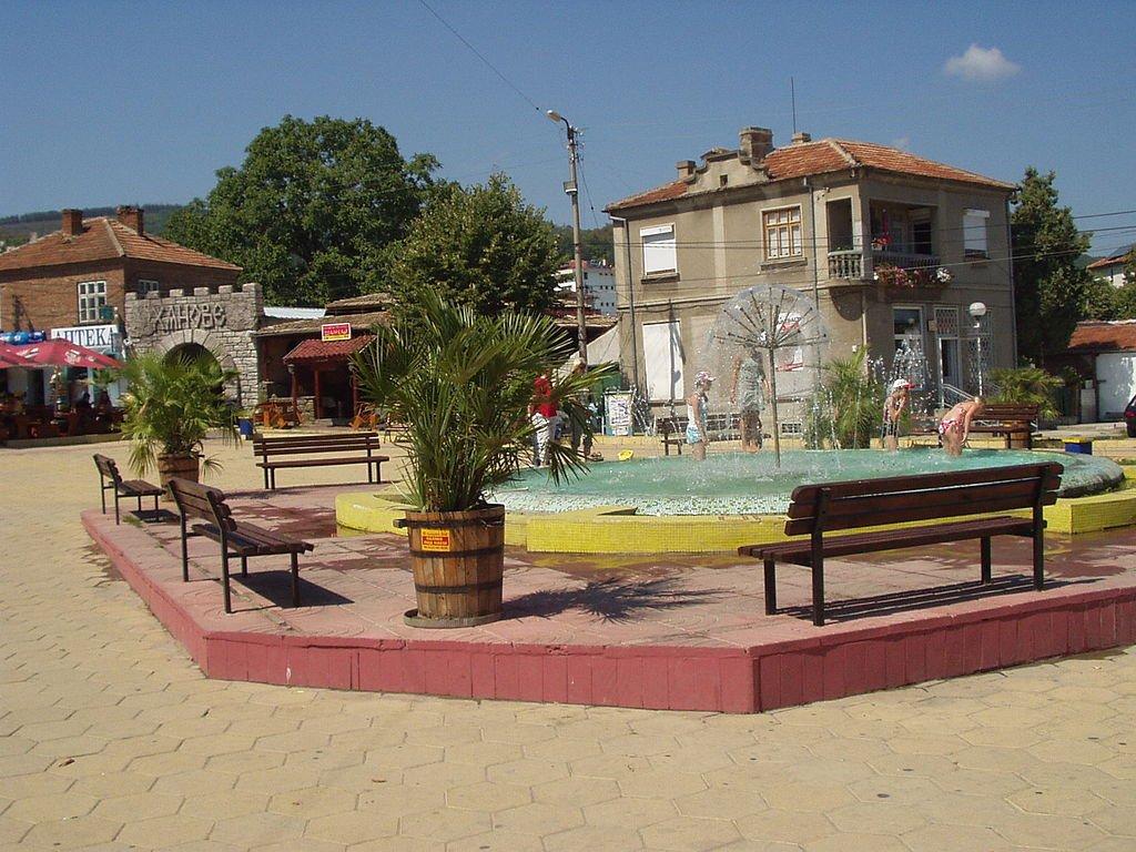 можно город обзор в болгарии фото ранней версии сказки