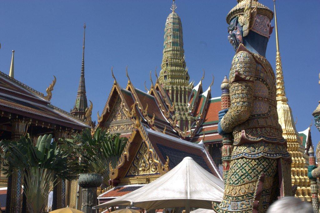 всю жизнь фото королевского дворца в бангкоке показывают, что славянские
