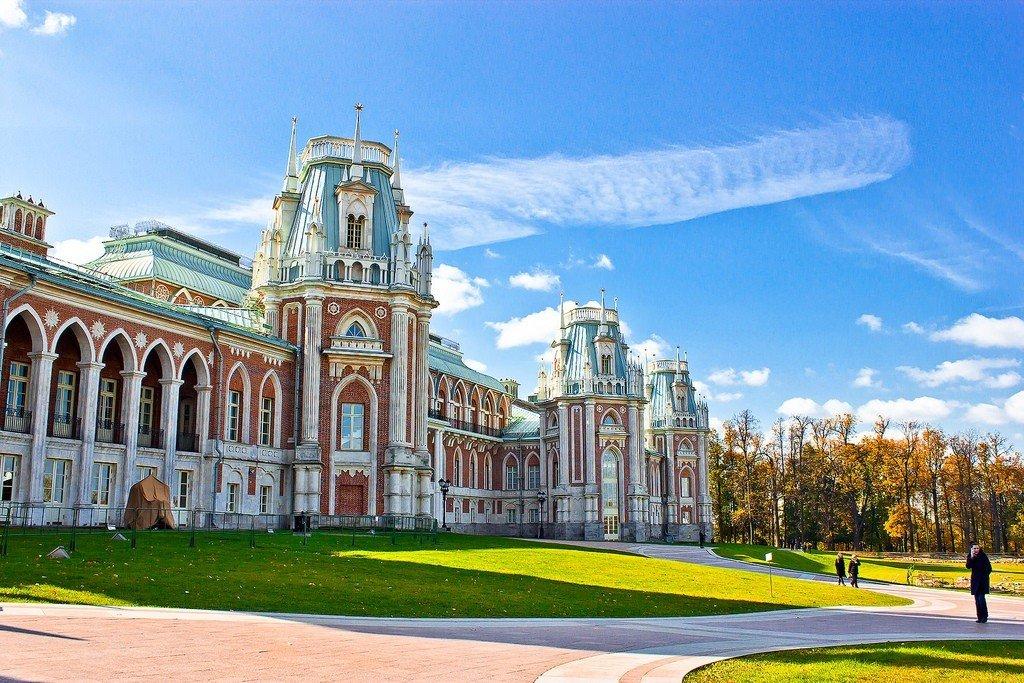 поэтому дворцы москвы фото сих пор