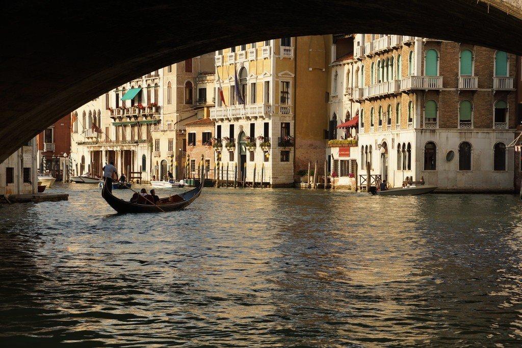она люки венеции фото фургон ездит газели