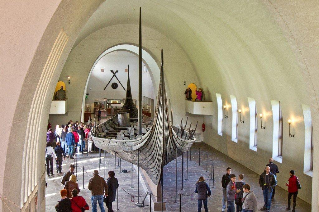 Цены на памятники орел у викингов памятники заказать тула гранит