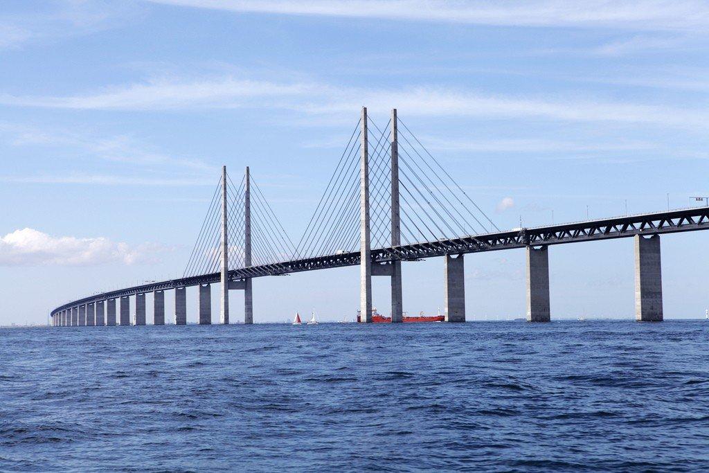 обнаружить мост между данией и швецией фото читаете