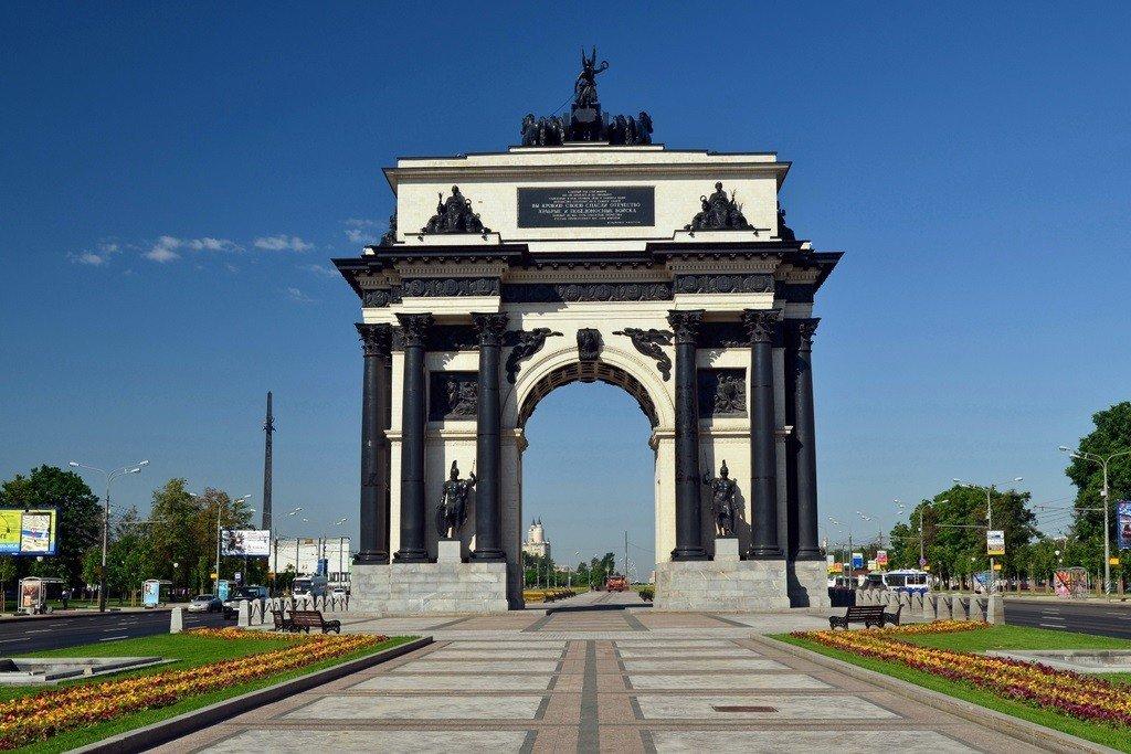 Фото триумфальная арка в москве