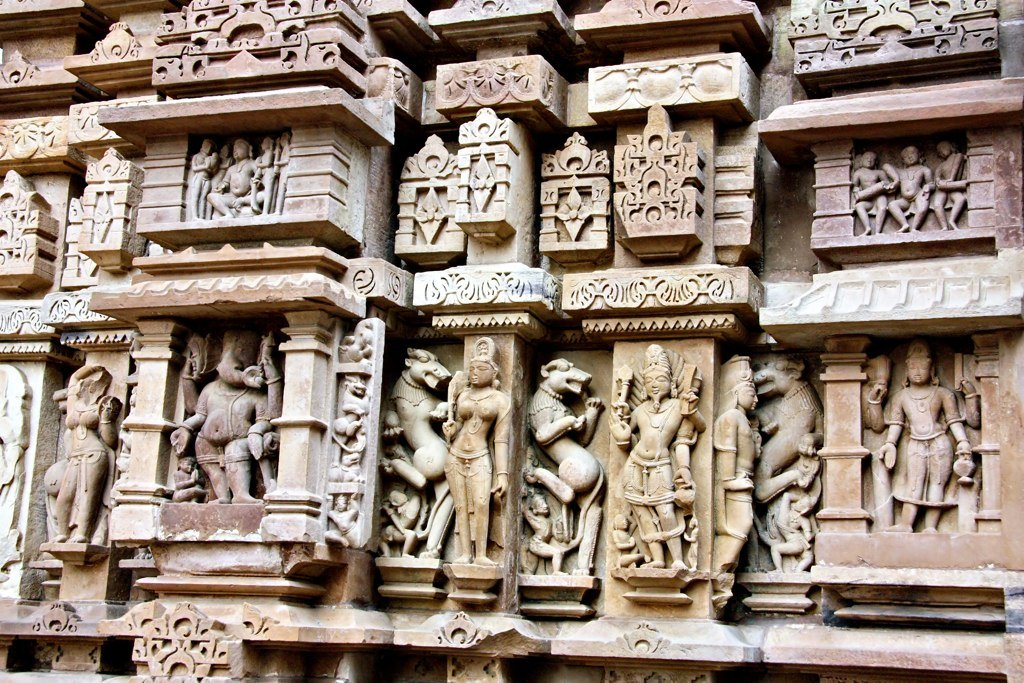 khajuraho Khajuraho: home of the kama sutra temples the erotic carvings that swathe the three groups of unesco world heritage-listed temples at khajuraho are among the finest temple art in the world.