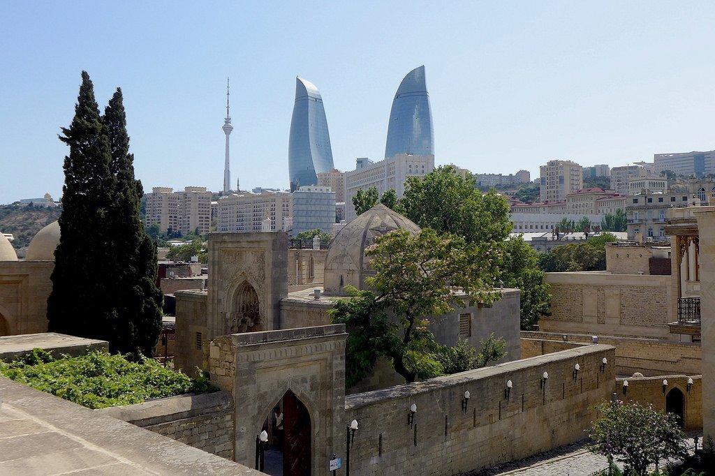 Баку (Столица Азербайджана) — подробная информация с фото ...: http://www.smileplanet.ru/azerbaijan/baku/