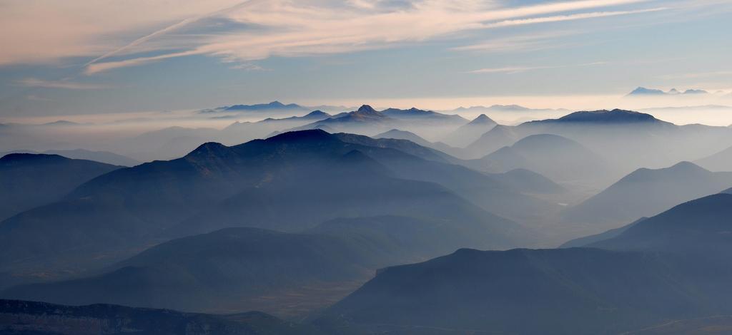 Утренняя дымка над горами Пелопоннеса