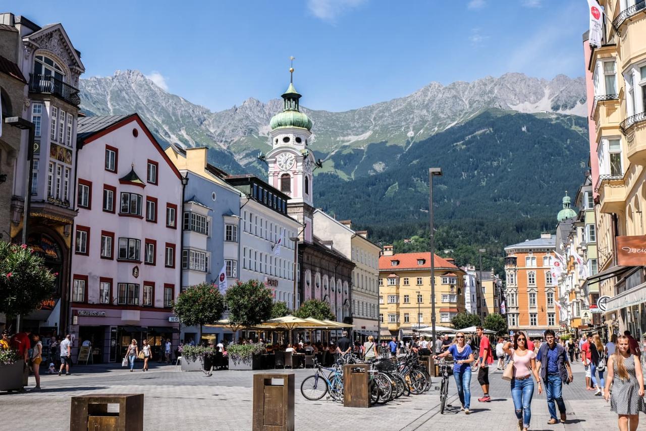 Инсбрук известен Олимпиадами, но имеет и иные достопримечательности