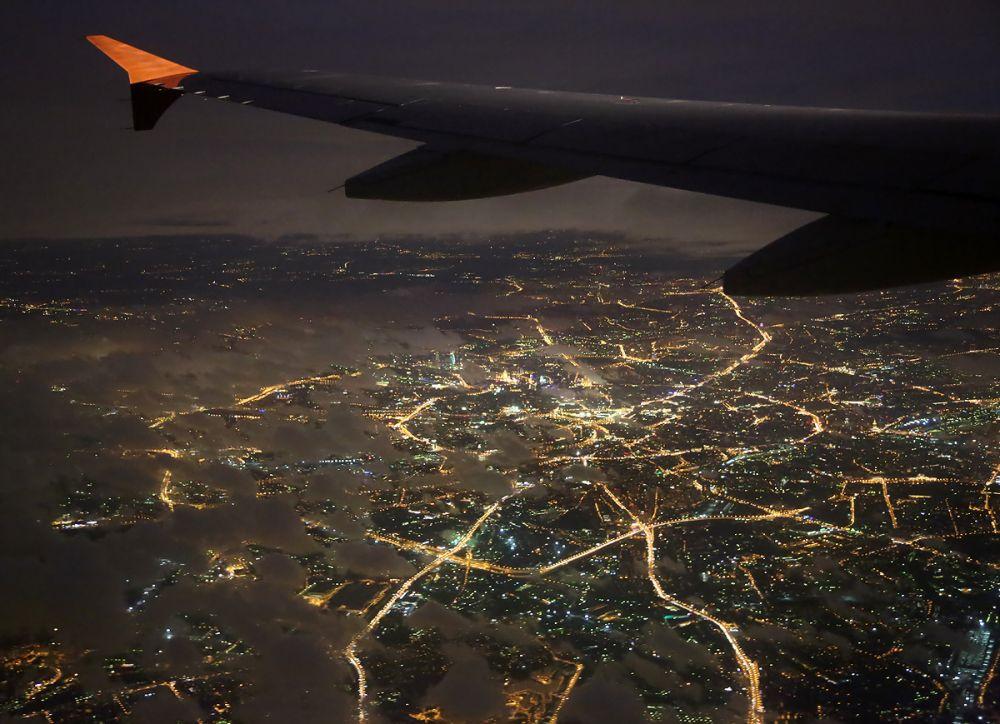 знаете других фотографии из окна самолета ночная москва новости молдовы происшествиях