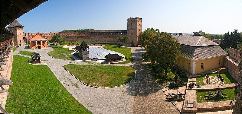 Панорама замка Замок Любарта
