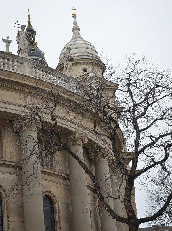 рука прага фасад базилики фото где находится достопримечательности новороссийска главные