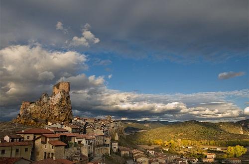 Город Фриас в Кастилия и Леон