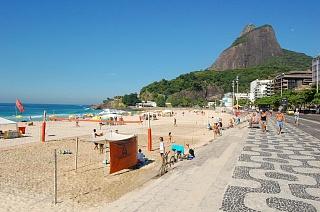 Пляж Леблон