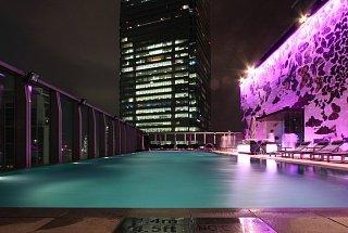 Бассейн на крыше W Hotel
