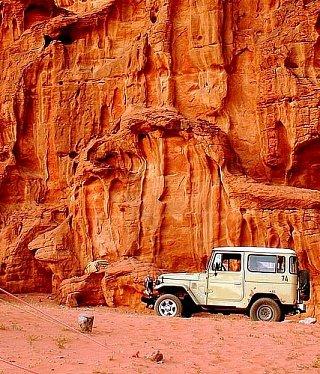 По Вади-Рам на внедорожнике Едем в Иорданию Едем в Иорданию 19 wadi rum jeep