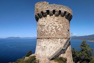 Остров Корсика Остров Корсика, Франция Франция Корсика туры корсика Остров Корсика, Франция Bashni ostrova Korsika 6