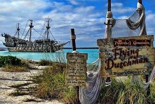 Летучий Голландец из Пиратов Карибского моря