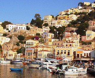 Город Сими на одноименном острове в архипелаге Додеканес