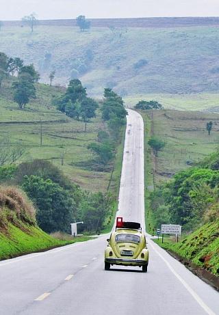Дорога около границы Бразилии с Парагваем