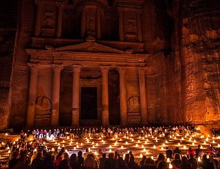 Ночь огней в Петре, которая проходит дважды в неделю Едем в Иорданию Едем в Иорданию 42 petra nochiu