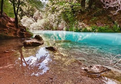 Изумрудная река Уредерра