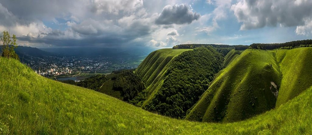 Боргустанский хребет в окрестностях Кисловодска