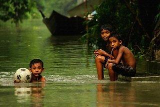 Футбол в Бангладеш