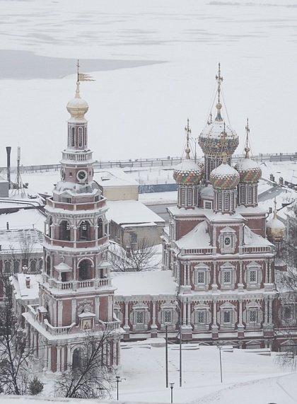Новгород зимой (на фото Рождественская церковь)