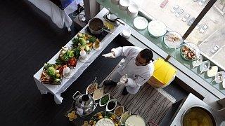Шведский стол в отеле Едем в Иорданию Едем в Иорданию 36 shvedskiy stol v otele