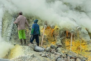 Вулкан Иджен вулкана Иджен Синим пламенем: покорение вулкана Иджен на острове Ява Dobycha sery na vulkane Idzhen 5