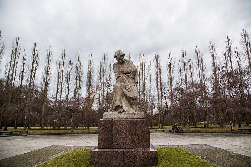 тату фото памятника в трептов парке коридор, как правило