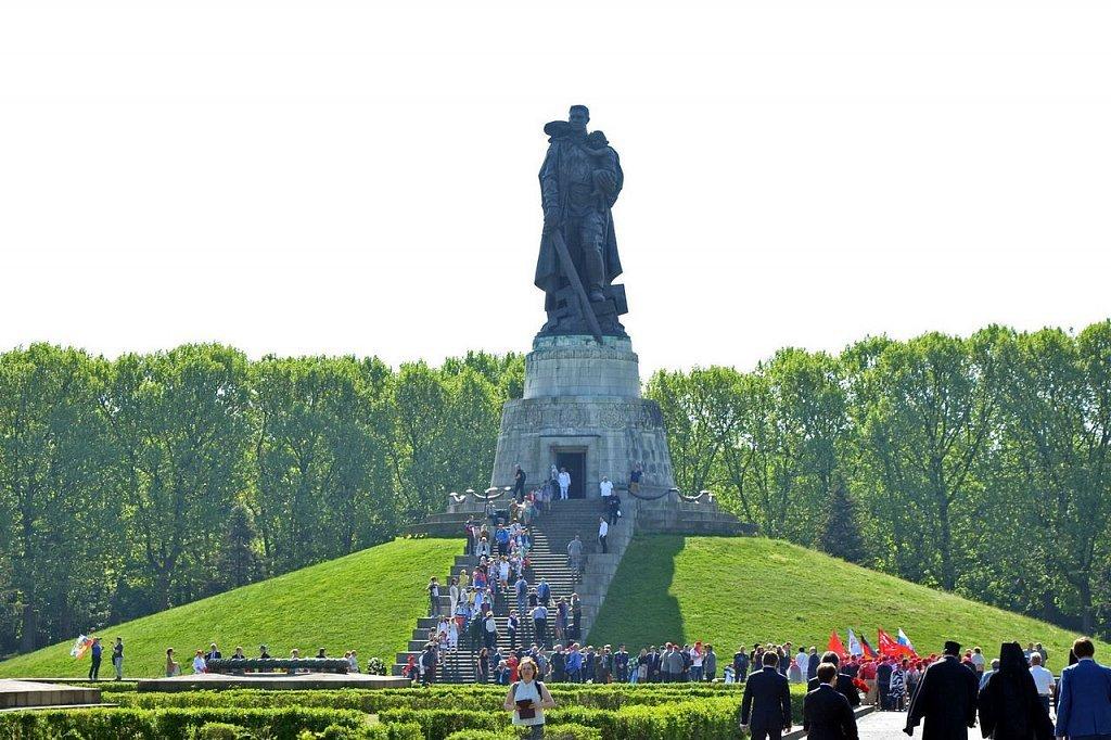 фото памятника в трептов парке