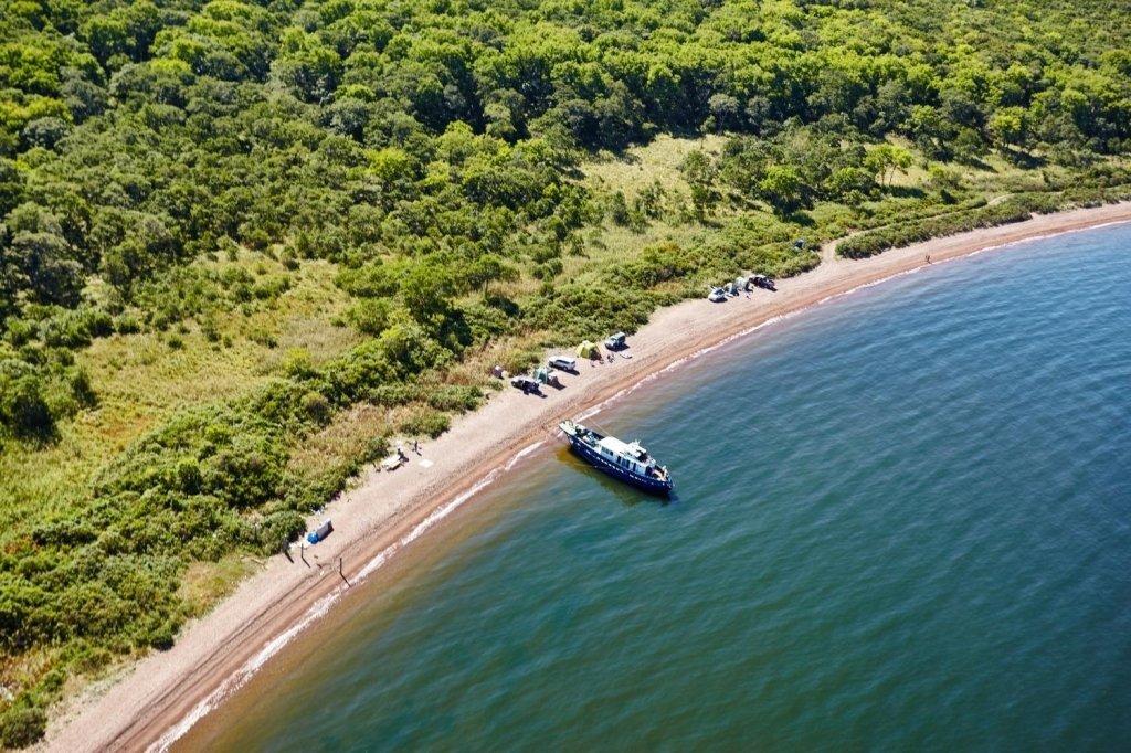 остров русский пляжи фото чиновника отстранили